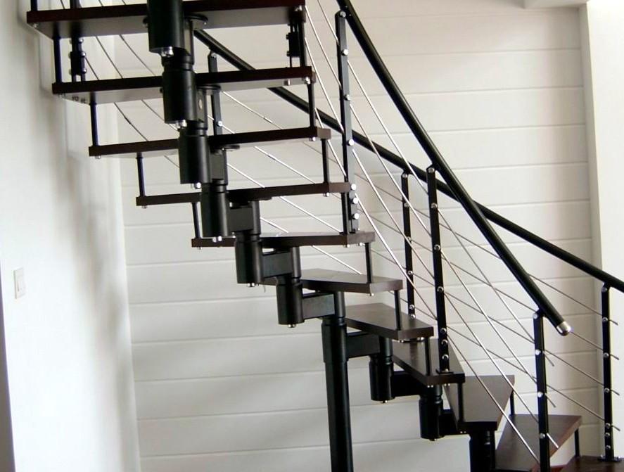 梦见走楼梯是什么意思?梦见走楼梯寓意着什么?